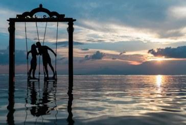 הטיית ראש בנשיקה קובעת את האטרקטיביות
